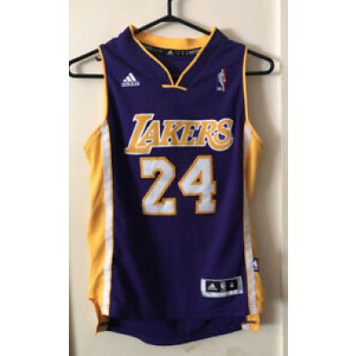 kobe bryant jersey for 10 years old